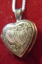 VINTAGE STERLING SILVER 17 INCH CHAIN AND LOCKET