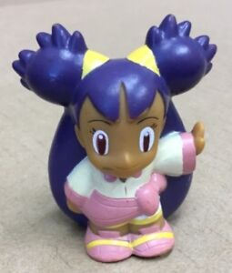 2010 Finger Puppet Pokemon Female Trainer Iris Catch Them All Nintendo Bandai