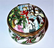 "Halcyon Days Enamel Box - Family Decorating The Tree - Holly - ""Merry Christmas"""