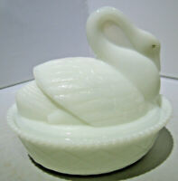 Vintage Westmoreland closed neck Milk Glass Swan