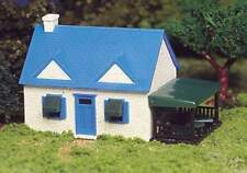 BACHMANN PLASTICVILLE USA CAPE COD HOUSE HO SCALE BUILDING KIT