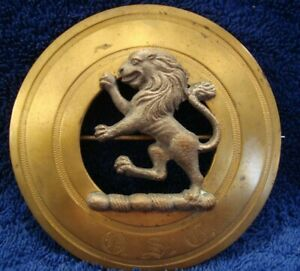 VINTAGE SCOTTISH CLAN KILT BROOCH PIN - LARGE CAST RAMPANT LION MOUNTED ON BRASS