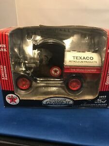 1912 GEARBOX FORD TEXACO TANKER 1:24 SCALE DIE CAST MODEL & BANK!  WITH KEY