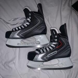 Bauer men's Ice Skates, Size 10.