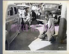 Vintage Photo 1949 Dan Duryea has been shot Johnny Stool Pigeon #57