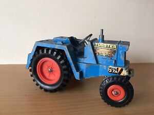 VINTAGE  TRIANG DIECAST TUGSTER TYPE 37A TRACTOR