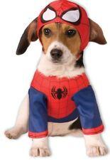Vestiti e scarpe rosse per cani