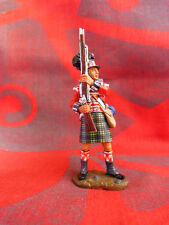 King & Country retired - NA49 - 42nd Highlander, (Black Watch) standing ready