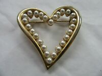 """Beautiful Vintage Gold tone and Faux Pearl Brooch Pin 2"""""""