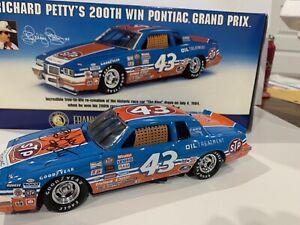 Richard Petty 1984 Pontiac Gran Prix 200th Win Franklin Mint Autographed