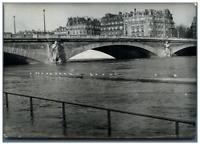 France, Inondations à Paris en 1961 Vintage silver print Tirage argentique