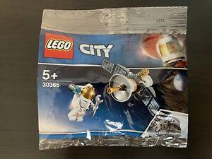 LEGO City 30365 Astronaut mit Raumfahrtsatellit Polybag *NEU/OVP*