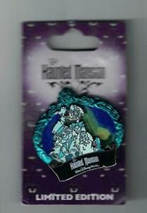 Disney 2009 The Haunted Mansion Hitchhiking Ghosts Pin Of the Month Le 2000 New
