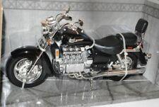 Honda Valkyrie Schwarz 1/6 Motormax Modell Motorrad mit oder ohne individiuellem