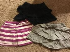 EUC Children's Place LOT of 3 Girls SKORTS Mini Skirts Grey Navy Blue M 7 8