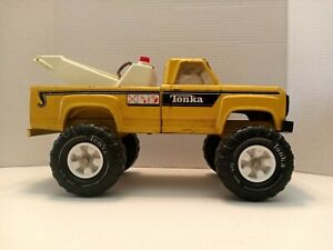 Vintage Tonka Tow Truck Wrecker Pressed Steel Yellow Toy Rare