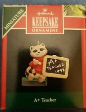Vintage! 1992 Hallmark Keepsake Miniature Ornament A+ Teacher-1992 Qxm5511
