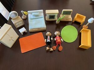 HAPE Toys Wooden Dolls House Living Room And Bedroom Sets And Dolls, EUC.