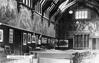POSTCARD   NEWCASTLE   FORD  SCHOOL  (  Interior  )   1