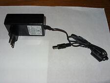Fuente de alimentación AC/DC adaptor, jy-050-400, input: 100-240v 50/60hz 0.7a, output: 5v 4a