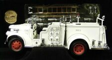RARE 🔥 1:24 Signature Series 1941 GMC Firetruck (White) with Box, Coin and COA