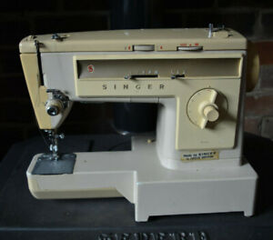 Vintage metal & plastic body Singer 533 Electric Zigzag Sewing Machine Working