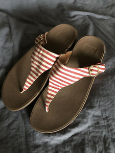 Fitflop The Skinny Sandals Flip Flops Thongs Slides Striped Red/Cream Sz 10