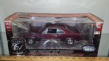 1/18 HIGHWAY 61 COLLECTIBLES 1966 PONTIAC GTO HARDTOP BURGUNDY yd