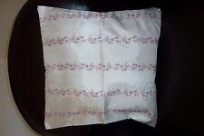 Housse de coussin J&T COLLECTION blanc motif rose