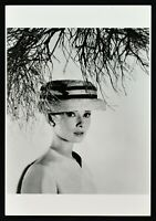 Plakat Audrey Hepburn Breakfast Von Tiffany Vermietungen Romane Sabrina Fair 2