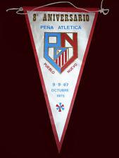 """SOCCER CLUB ATLETICO MADRID Peña Pueblo Nuevo - Old Pennant 1975 - 8,66"""" x 4,72"""""""