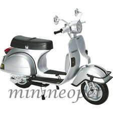 New Ray 42123 1978 Vespa P200E Del 1/12 Vintage Scooter Motorcycle Silver
