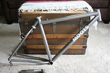 Moots YBB 26er 26in Titanium Mountain bike frame Size 19 in - soft tail SUPERB