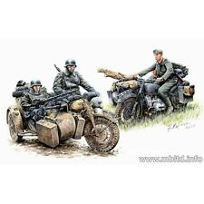 GERMAN MOTORCYCLE TROOPS ON THE MOVE BMW R75 and 4 FIGURES 1/35 MASTER BOX 3548F