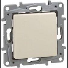 Legrand Niloe 664821 Two-Way Switch Ip44 10Ax-250V~ Cream