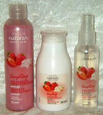 Avon Naturals Body Care 3-teiliges Körperpflege-Set Erdbeere & weiße Schokolade