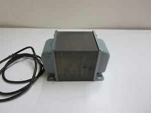 TRIAD UTRAD N-59M ISOLATION TRANSFORMER  115V/115V 1000 VA 50/60 HZ