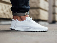 NIKE FREE HYPERVENOM LOW Running Trainers Gym Casual  UK 10 (EU 45) Triple White