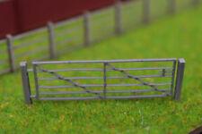 5 x LASER CUT METAL LOOK FARM GATES FOR OO SCALE / 1:76 MODEL RAILWAY - LX048-OO