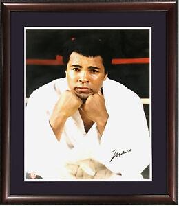 Muhammad Ali signed 16x20 photo framed bold mint vintage autograph JSA LOA