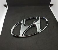 GENUINE NEW HYUNDAI TUSCON, IX30-35 AND MANY OTHERS FRONT LOGO BADGE  863002B100