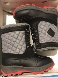 Carter's Boy's Toddler 6 Snow Boots Black Red Gray Aikin Cold Weather Children