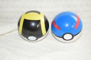 Tomy Pokemon Clip and Go Belt Blue red  yellow Ball plastic