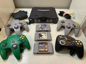 Nintendo 64 N64 Console Lot Bundle, 4 Controllers, 3 Games All Tested/Working
