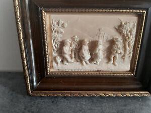 Cadre calcaire pétrifié scène folklore -La bourre d'Auvergne XIXe