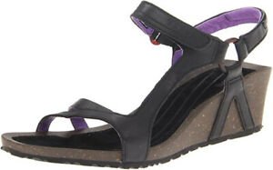 Teva Black Leather Summer Sandals 9 40 Low Wedge Very Comfortable Shoes Like New