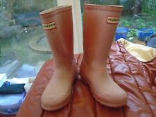 CHILDS HUNTER WELLIES PINK  SIZE 0 , USED BUT PLENTY OF LIFE STILL