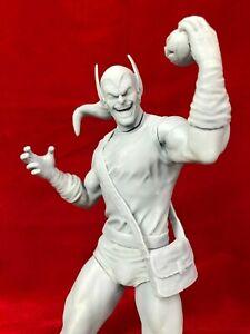 """Green Goblin """"Classic"""" / Fan Art / Resin Figure / Model Kit-1/8 scale."""