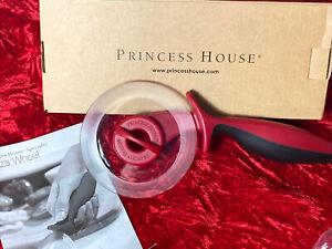 Princess House #6628 Pizza Wheel Plastic Red & Black Ergonomic Grip NIB!