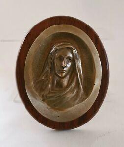 Ancienne Plaque Bronze Buste d'une Femme drapée fixée sur Bois Religieux ? XXème